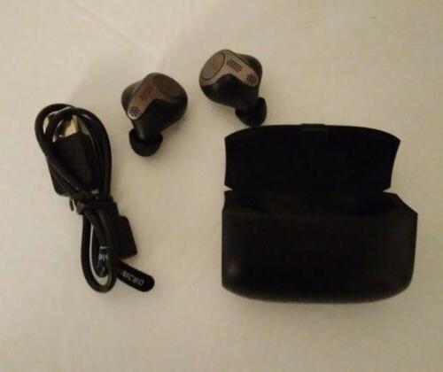 NEW Elite 65t Alexa Enabled Earbuds Charging